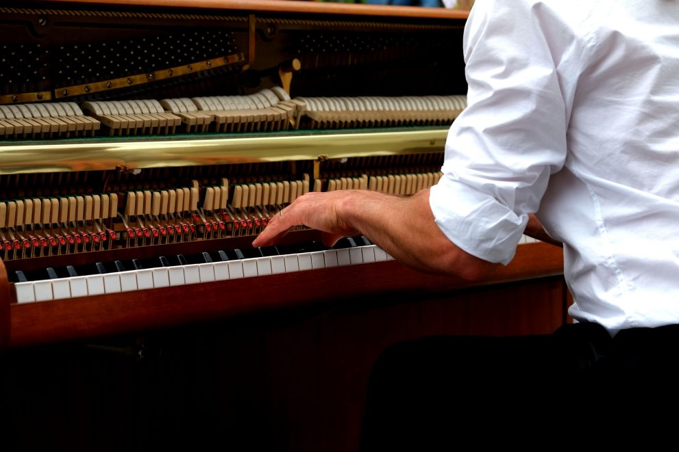 Four Simple Tips to Help You Become a Great Vocal Accompanist